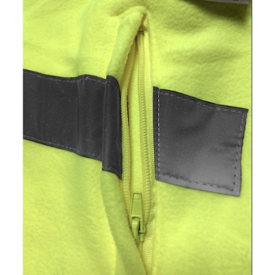 Forro polar amarillo con bandas reflectantes - Ropa laboral Valencia detalle