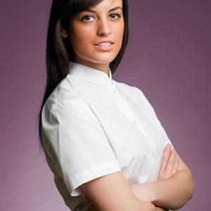 Camisa mujer manga corta con cuello mao y pinzas