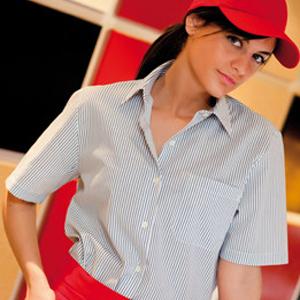 Camisa mujer manga corta con cuello camisero y bolsillo
