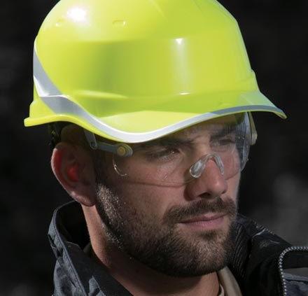 epis equipos proteccion individual ropa laboral guantes cascos gafas mascarillas